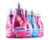 Bouteilles d'adoucissant liquide de Coccolino Images stock