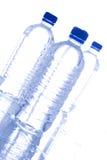 Bouteilles d'eau en plastique Photos libres de droits
