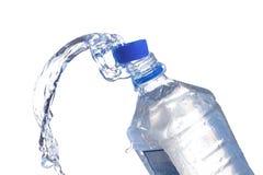 Bouteilles d'eau en plastique Photos stock