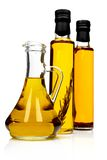 Bouteilles d'huile d'olive aromatique. photo libre de droits