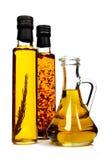 Bouteilles d'huile d'olive aromatique. Photos libres de droits