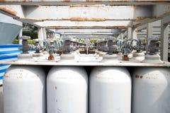 Bouteilles de gaz pour faire cuire et chauffer Images libres de droits