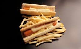 Bouteilles de ketchup et de moutarde à l'arrière-plan photos stock