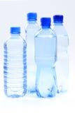 Bouteilles de l'eau photos stock