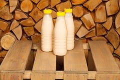 Bouteilles de lait Image libre de droits