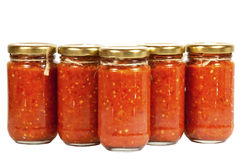 Bouteilles de pâte de piments connues sous le nom de Mazavaroo Photographie stock
