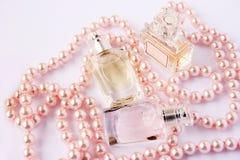 Bouteilles de parfum photo stock