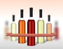 Bouteilles de vin groupées avec le ruban Image libre de droits