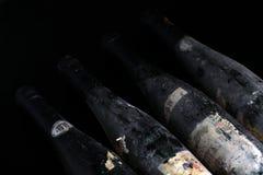 Bouteilles de vin de Murfatlar très vieilles, vue en gros plan d'isolement de vieux label Image libre de droits
