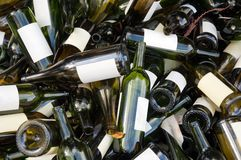 Bouteilles de vin vides Image stock