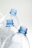 Bouteilles en plastique images libres de droits