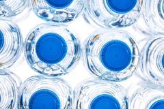 bouteilles en plastique de demi litre image stock