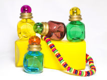 Bouteilles multicolores de l'eau de toilette Photo stock