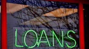 Boutique à l'avance d'argent d'argent liquide de prêt images stock