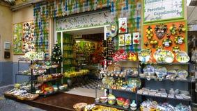 Boutique de cadeaux à Sorrente photographie stock