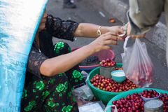 Boutique de cerise sur le steet Images libres de droits