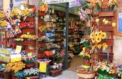 Boutique de confettis dans Sulmona, Italie Photos libres de droits