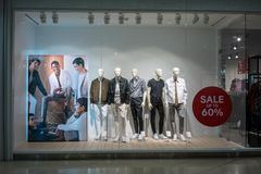 Boutique de H&M chez Bangna méga, Bangkok, Thaïlande, le 19 mars 2018 Image libre de droits