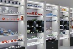 Boutique de luxe de théière dans le bâtiment de Taïpeh 101 Image libre de droits