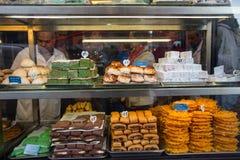 Boutique de pâtisserie française Photo stock