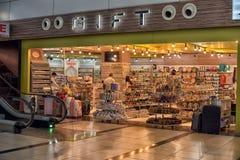 Boutique de souvenirs à l'aéroport Photographie stock libre de droits