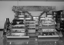 Boutique de souvenirs à l'aéroport de Changi, Singapour Images libres de droits