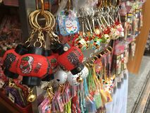 Boutique de souvenirs au Japon, temple de Sensoji photos libres de droits