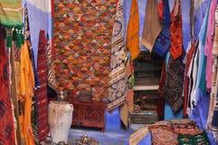 Boutique de tapis au Maroc Photos libres de droits
