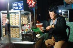 Boutique de trottoir de gâteau de l'Asie, caramel de crème Image stock
