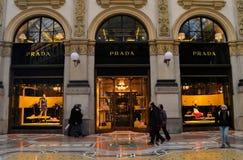 Boutique di Prada a Milano Immagini Stock Libere da Diritti