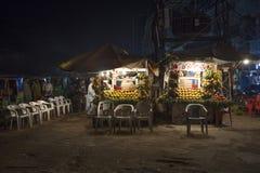 Boutique fraîche de jus à Lahore Pakistan images libres de droits