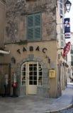 Boutique française de tabac de barre à Avignon images libres de droits