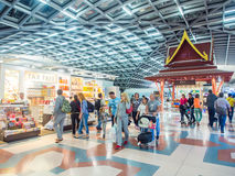 Boutique hors taxe à l'aéroport de Suvanaphumi Photo stock