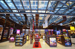 Boutique hors taxe à l'aéroport de Suvarnabhumi, Bangkok Image stock