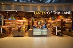Boutique hors taxe à l'aéroport de Suvarnabhumi, Bangkok Images stock