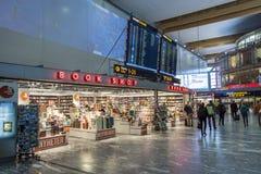 Boutique hors taxe à l'aéroport international d'Oslo Gardermoen Images libres de droits