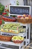 Boutique italienne de fruit Photos stock