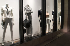 Boutique para mujer de la moda y de los accesorios Fotos de archivo libres de regalías