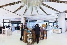 Boutiques de los cosméticos en Siam Paragon Mall, Bangkok Imagen de archivo libre de regalías