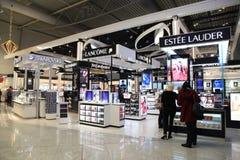 Boutiques hors taxe à l'aéroport d'Eleftherios Venizelos à Athènes, Gree Photos stock