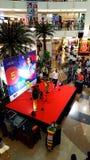 Boutiques marquées dans des centres commerciaux dans Mumbai photos stock
