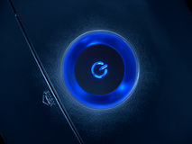 Bouton bleu de pouvoir Photographie stock libre de droits