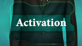 Bouton d'inverse de poussée d'homme d'affaires sur l'écran tactile activation d'inscription banque de vidéos