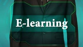 Bouton d'inverse de poussée d'homme d'affaires sur l'écran tactile apprentissage en ligne d'inscription banque de vidéos