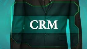 Bouton d'inverse de poussée d'homme d'affaires sur l'écran tactile inscription CRM clips vidéos