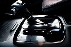 Bouton de décalage de transmission automatique photographie stock