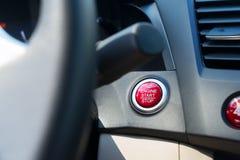 Bouton de moteur de début de voiture Images libres de droits