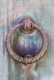 Bouton de porte en laiton circulaire Photographie stock libre de droits