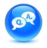 Bouton rond bleu cyan vitreux d'icône question-réponse de bulle Photos libres de droits
