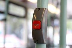Bouton rouge de secours ou touche 'ARRÊT' pour l'arrêt d'urgence de presse de main image libre de droits